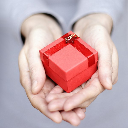 Giving gifts this christmas gifts that you can give this christmas negle Images
